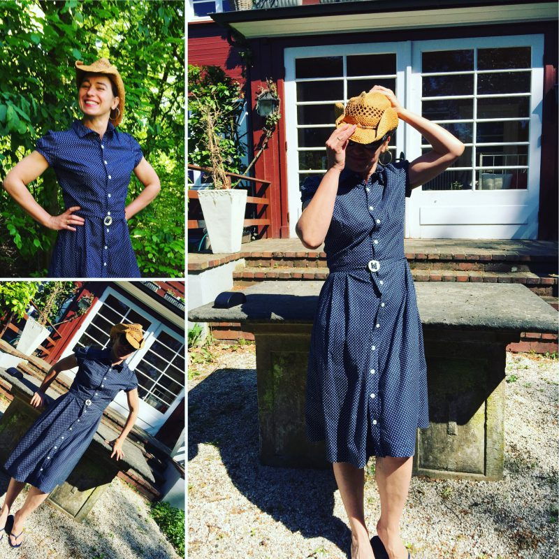 Lisette Traveller Dress / Simplicity 7542