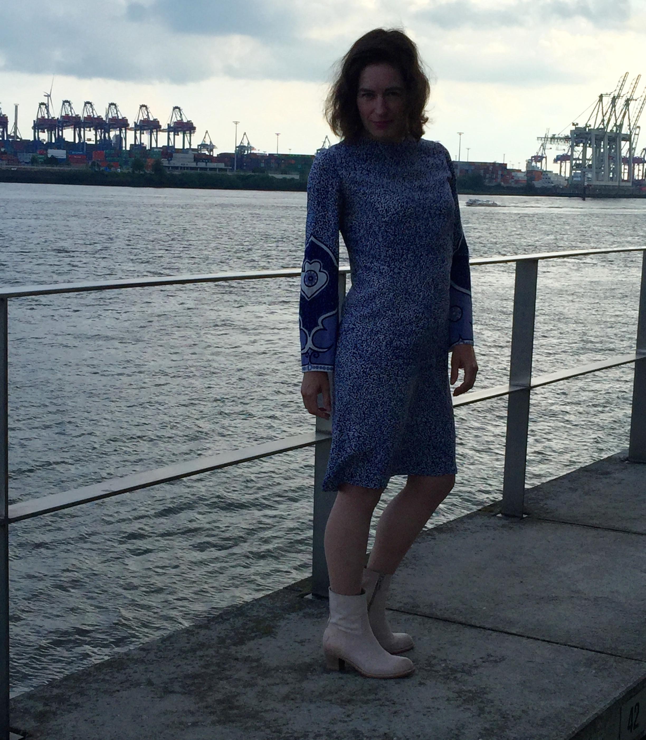 Seidenkleid-Hamburger Hafen