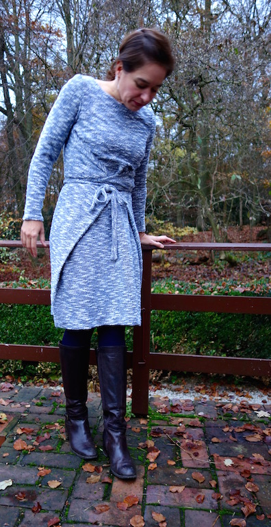 typische Bloggerpose.... Kielo Wrap Dress with Sleeves Named Clothing Patterns